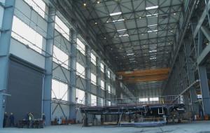 W ogromnej hali spółki Vistal Gdynia ruszyła produkcja