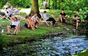 Bierz koc i idź posiedzieć w Parku Oliwskim