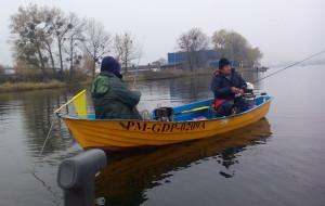 Polowanie na rybę na zawodach wędkarskich