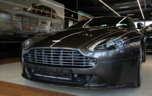 Aston Martin Vantage S. Elegancja nie z Francji