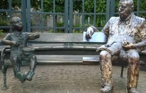Günter Grass zasiądzie obok Oskara Matzeratha. Pomnik noblisty zostanie odsłonięty już w październiku