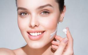 Chroń skórę zimą. Jak dobrze o nią dbać?