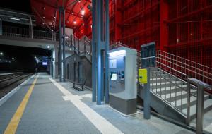 Trwa montaż biletomatów na stacjach PKM