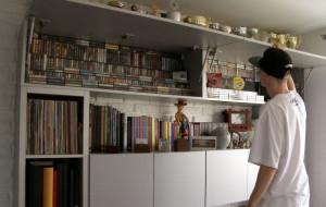 Tańczy i zbiera kasety magnetofonowe