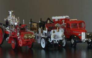 Miłośnik straży zbiera miniatury strażackich wozów