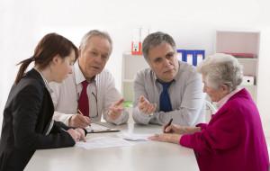 Pytanie do notariusza. Testament z opóźnieniem wydania mieszkania