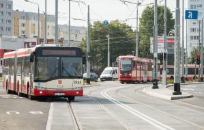 Więcej pasażerów w Gdańsku, mniej w Gdyni