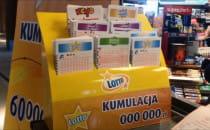 Tłumy w kolekturach Lotto