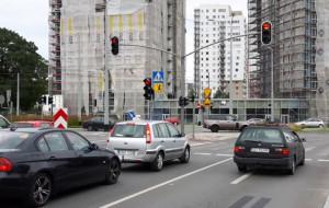 Rok po otwarciu skrzyżowania na Morenie nadal bez zielonej fali