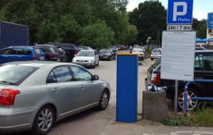 Trzeba zmienić zasady parkowania przy plażach