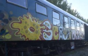 Dewastacja zabytkowego wagonu w Gdyni