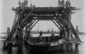 Z małego zakładu szkutniczego wyrosła duża stocznia.  Nauta ma juz 90 lat