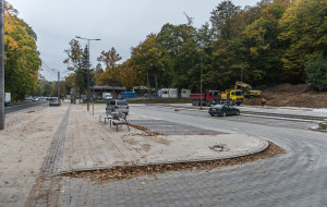 Kończy się budowa parkingu przy Cmentarzu Witomińskim