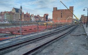 Nowe-stare tory kolejowe na Wyspie Spichrzów