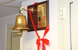 AMW ufundowała dzwon pacjentom oddziału onkologicznego