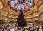 Bogate czy pomysłowe? Dekoracje bożonarodzeniowych drzewek deluxe
