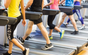 Ćwiczenia, które pomogą zgubić świąteczne kalorie