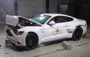 Mustang oblał testy zderzeniowe