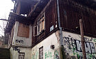 Zabytkowa willa Orla w Gdyni dalej niszczeje