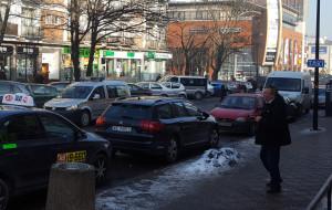 Przeniesiono postój taxi, posypały się mandaty