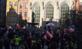 Demonstracja KOD na Długim Targu w Gdańsku