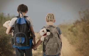 21-latek chce zaopiekować się młodszym rodzeństwem po śmierci matki. Potrzebuje wsparcia