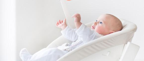 Leżaczek-bujaczek sposobem na niemowlaka? Eksperci radzą uważać