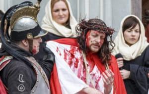 """Wielki Piątek: """"Sąd nad Jezusem"""" przy Katowni oraz nocne misterium"""