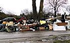 Śmieci przy działkach, winni nieustaleni