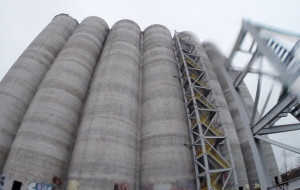 Opuszczone silosy na Stogach staną się częścią terminalu agro