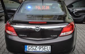 Policja kupi nowe nieoznakowane radiowozy