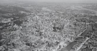Wyjątkowe zdjęcie zrujnowanego Gdańska przekazał lotnik-weteran