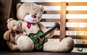 Brudzą, hałasują, irytują. Jakich dziecięcych zabawek najbardziej nie lubią rodzice?
