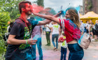 Festiwal kolorów przy B90 przyciągnął ludzi w każdym wieku