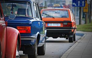 Fiaty, Polonezy i Warszawy ruszają w Polskę