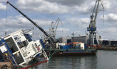 Holendrzy wyciągną zatopiony w Naucie statek