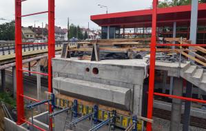 Rosną przystanki PKM w Gdyni. Gotowy tor w torze