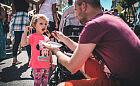 Tłumy jadły na ulicy Świętojańskiej