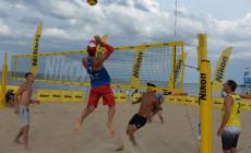Ostatni letni turniej siatkówki na plaży w Brzeźnie
