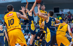 Sparingi trójmiejskich koszykarzy, kontrakt Ponitki