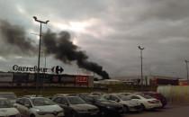Płonął salon Iveco w Szadółkach