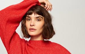 Ciepło i odważnie, czyli najmodniejsze swetry tej jesieni