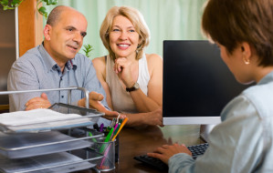 Pytanie do notariusza. Jak kupić mieszkanie bez wiedzy małżonka?