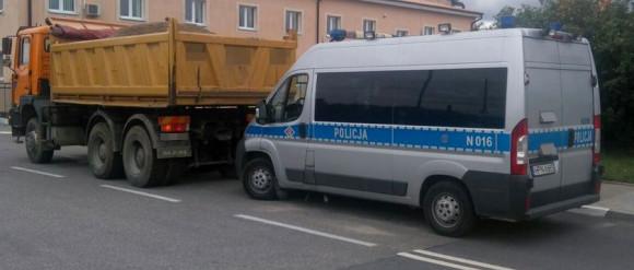 Kontrole ciężarówek i autobusów: 98 mandatów w jeden dzień