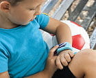 Rodzicielska nadopiekuńczość czy troska? Aplikacją śledzą swoje dzieci