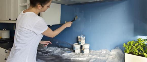 Malujemy kafle ścienne. Flügger zaprasza na bezpłatne porady dekoratora wnętrz