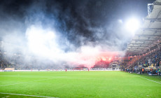 Komisja Ligi ukarała kluby i kibiców