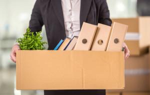 Co dzieje się z zaległym urlopem pod koniec umowy?