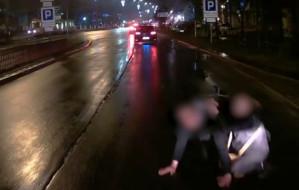 Kierowca autobusu wyhamował tuż przed mężczyzną