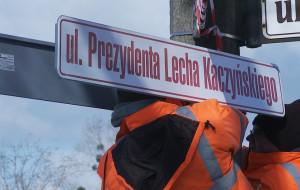 Zamontowano tablice z nazwą ulicy Prezydenta Lecha Kaczyńskiego